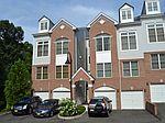 7 Goffle Brook Ct, Hawthorne, NJ