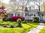 224 Clinton Ave, East Patchogue, NY