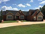 113 Forest Overlook Dr, Forsyth, GA