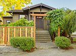 509 N 47th St , Seattle, WA 98103