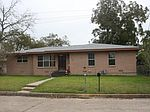 109 Rose St, Yoakum, TX