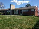 2521 Pinecrest Dr, Vinton, VA