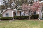 2520 Cecelia Ave, Brentwood, MO
