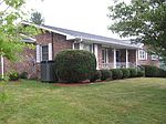 206 W Mountain View Ave, Bluefield, VA