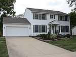660 Redstone Cir, Brunswick, OH