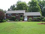 632 Cohassett Dr, Hermitage, PA