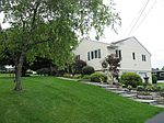 206 Windsor Dr, Syracuse, NY