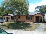 618 S Lake Dr, Clearwater, FL