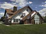 6280 Overlook Ct, Greendale, WI