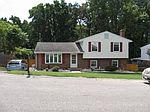 1740 Parker Ln, Vinton, VA