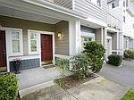 1376 Huckleberry Cir # 1376, Issaquah, WA