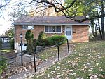 5329 Glen Robin Dr, Pittsburgh, PA