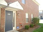 8305 Grand Trevi Dr, Louisville, KY