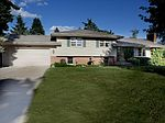 7800 Florida Cir N, Brooklyn Park, MN
