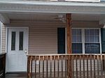 9845 New Hope Rd, Bluefield, WV