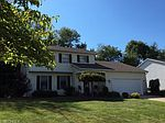 230 Jean Dr, Hubbard, OH