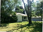20 Hill Dr, Crystal Lake, IL