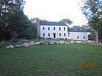 56 Country Ct, North Kingstown, RI
