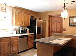 32 Lincoln Cir, Northbridge, MA
