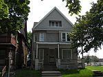 1032 N 21st St, Milwaukee, WI