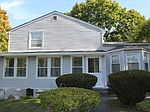 104 Summer St, New Canaan, CT