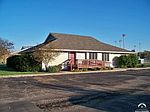 504 Plaza Dr, Perry, KS