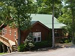 241 Maple Chase Dr, Byrdstown