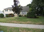 335 Erie Dr, Lansdale, PA