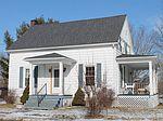 30 Pine St, Champlain, NY