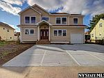 40 Bloomingdale Rd, Hicksville, NY