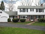 9 Dogwood Ln, Norwich, CT
