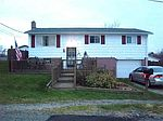 306 Country Rd, Follansbee, WV