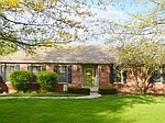 210 Chardonnay Ct, Winchester, KY