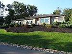 605 Golden Oaks Ln, Pittsburgh, PA