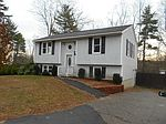 16 Woodlands Dr, Epping, NH