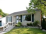 8734 Pine Ave, Brentwood, MO