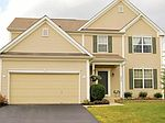 438 Shadow Run Dr, Groveport, OH