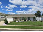 15 Summer Ln , Levittown, PA 19055