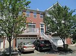 24 Foxhound Ct, Jersey City, NJ