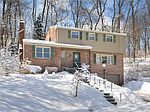 121 Chalet Dr, Pittsburgh, PA