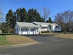26 Meadow Dr, Waterford, CT