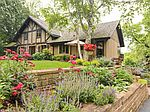 81 Miller Rd, Hawthorn Woods, IL