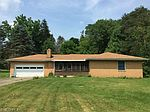 3072 Bell Wick Rd, Hubbard, OH