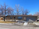 432 Oil Ave, Lusk, WY