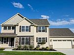 245 Kensington Ct, Madison, OH