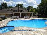 7900 Woodchase Dr, Cordova, TN
