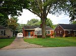 111 Marshall Dr , Louisville, KY 40207