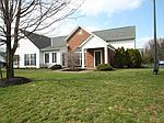 1142 Overlook Ct, Pickerington, OH