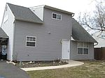 281 Holly Dr, Levittown, PA
