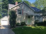 222 Highland Dr, Williamsville, NY